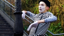 Gauderic Kaiser - Souvenirs From Paris - Mime - Film